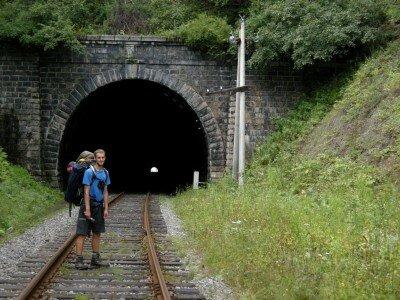 Przed wejściem do tunelu Połowinnyj