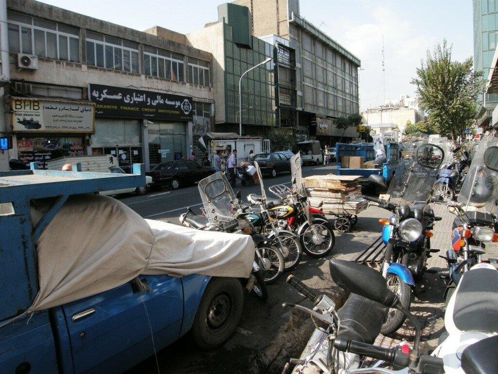 Teheran - okolice placu Khomeiniego