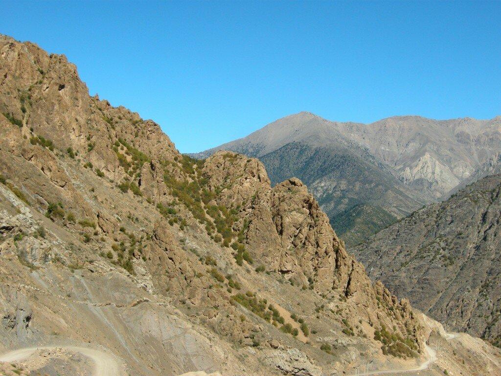 Iran-dolinaAlamut5
